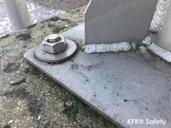 KFK® Warum Prüfungen von montierten Bodenhülsen nach EN 795 so wichtig sind